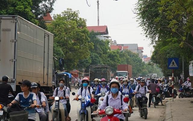 Bắc Ninh: Người dân khổ sở vì hứng chịu xe tải né trạm BOT - 4