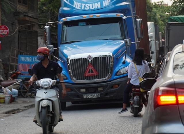 Bắc Ninh: Người dân khổ sở vì hứng chịu xe tải né trạm BOT - 7