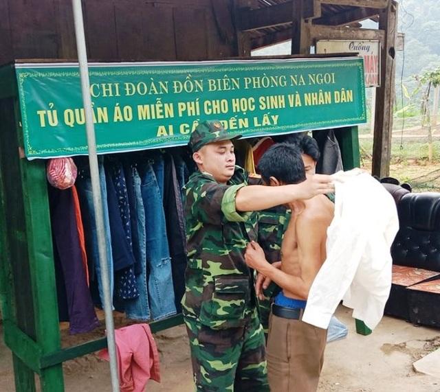 """Tủ quần áo miễn phí """"ai cần đến lấy"""" cho người dân nghèo miền núi - 4"""