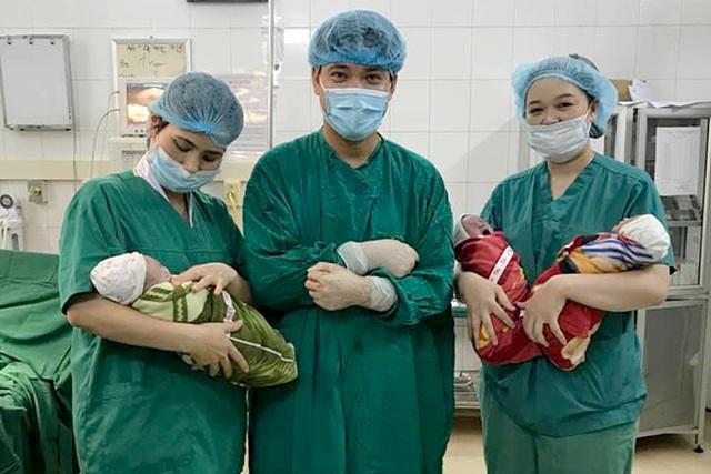 Ca sinh 3 con trai hi hữu mang thai tự nhiên - 1