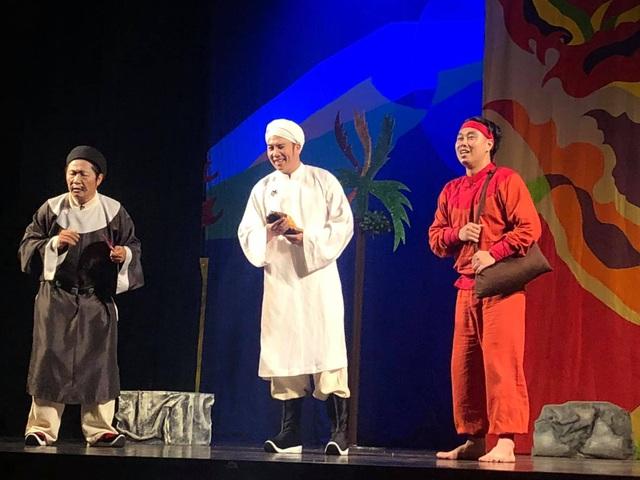 """Nhà thiết kế Sỹ Hoàng bất ngờ đóng Thái giám trong kịch """"Tấm Cám"""" - 1"""