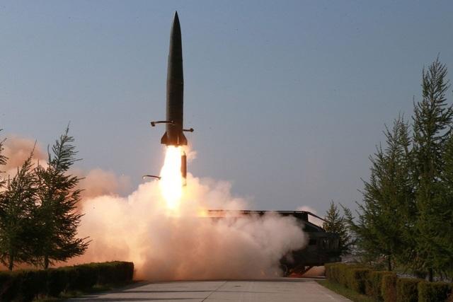 Chuyên gia Mỹ nghi Triều Tiên sao chép tên lửa tiên tiến Iskander của Nga - 1