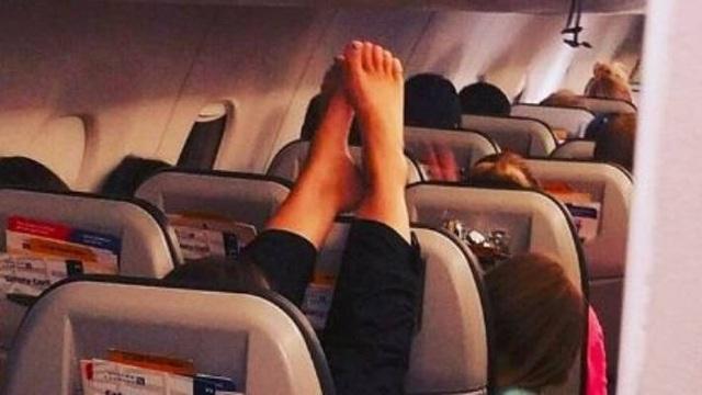 Tiếp viên hàng không tiết lộ thói xấu của hành khách  - 4