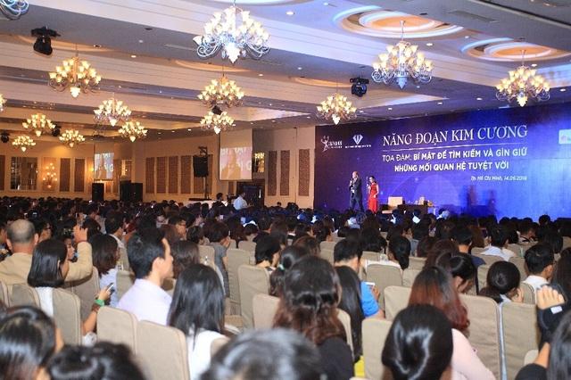 Nhà sáng lập Năng Đoạn Kim Cương Michael Roach đến Việt Nam chia sẻ về mối quan hệ trong kinh doanh. - 1