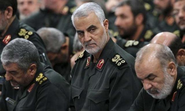 Tướng Iran lệnh chuẩn bị chiến tranh, tàu sân bay Mỹ vào vị trí - 1