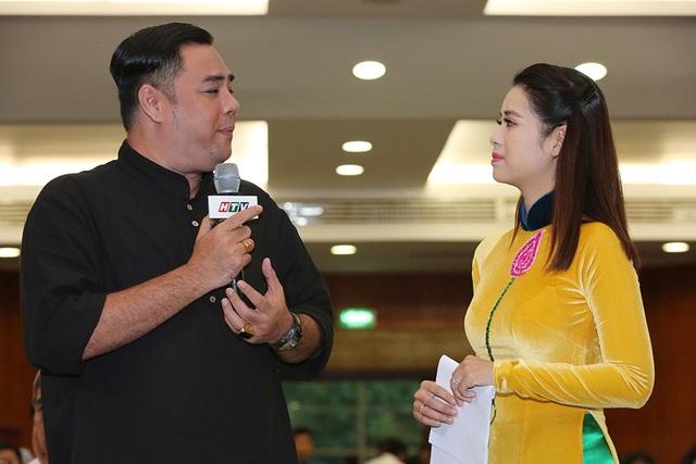 BTV Tấn Tài, ca sĩ Chí Thiện nhận bằng khen Học tập và làm theo đạo đức Hồ Chí Minh - 5