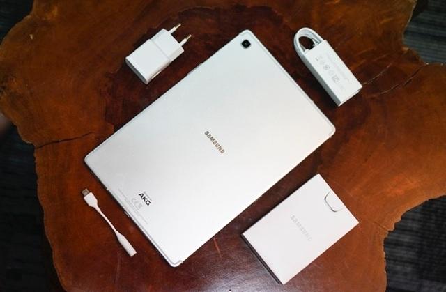 Đánh giá Galaxy Tab S5e: Máy tính bảng mỏng, gọn và nhẹ nhất của Samsung - 4