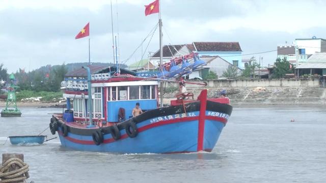 Ngư dân gặp khó với quy định về thợ máy khi vươn khơi - 3