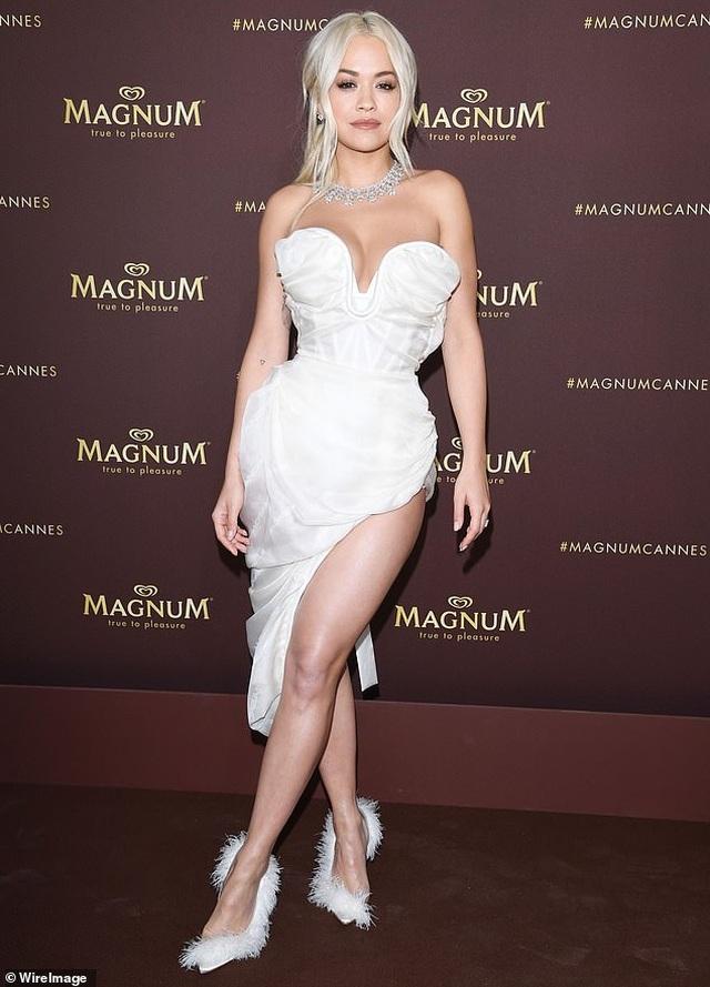 Mê mẩn dáng vóc hoàn hảo của Rita Ora - 2