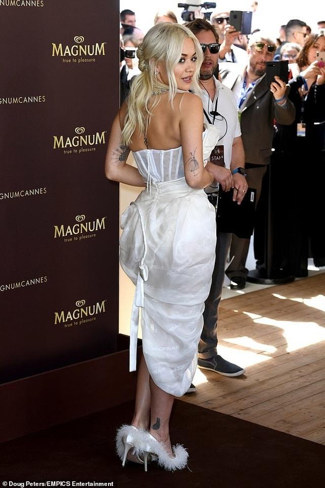 Mê mẩn dáng vóc hoàn hảo của Rita Ora - 3