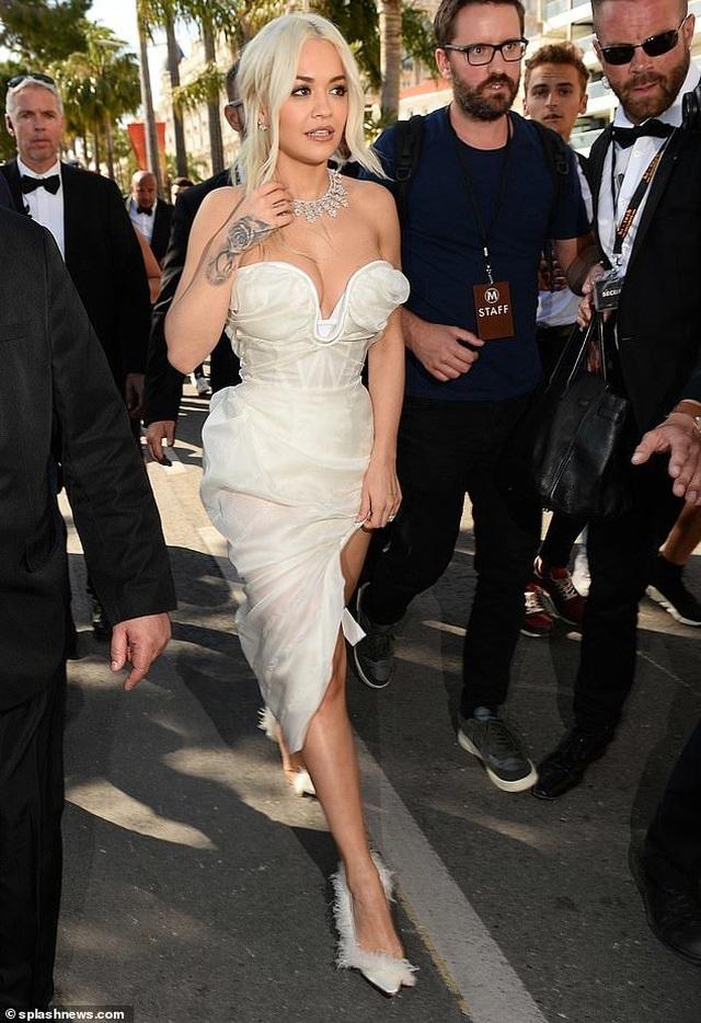 Mê mẩn dáng vóc hoàn hảo của Rita Ora - 5