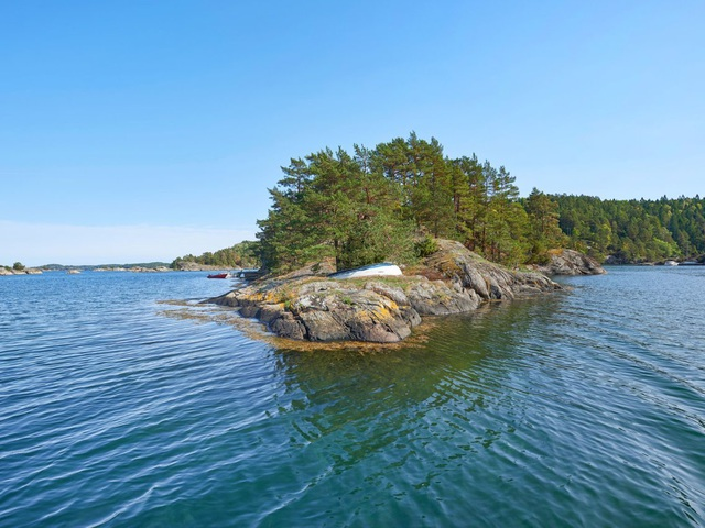 Chiêm ngưỡng ngôi nhà tĩnh lặng nằm biệt lập trên hòn đảo nhỏ xanh mát - 3