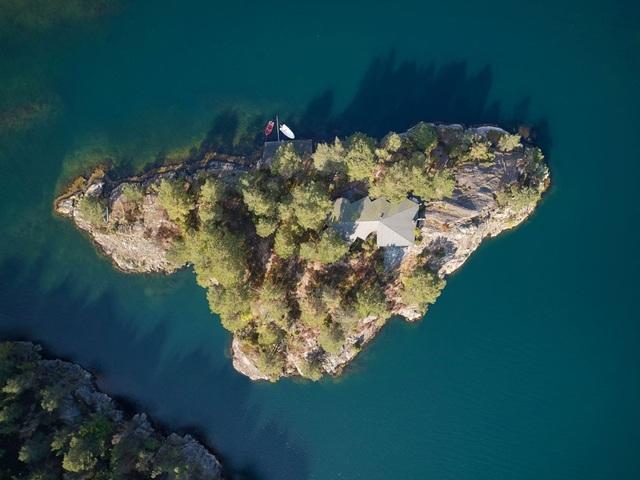 Chiêm ngưỡng ngôi nhà tĩnh lặng nằm biệt lập trên hòn đảo nhỏ xanh mát - 12
