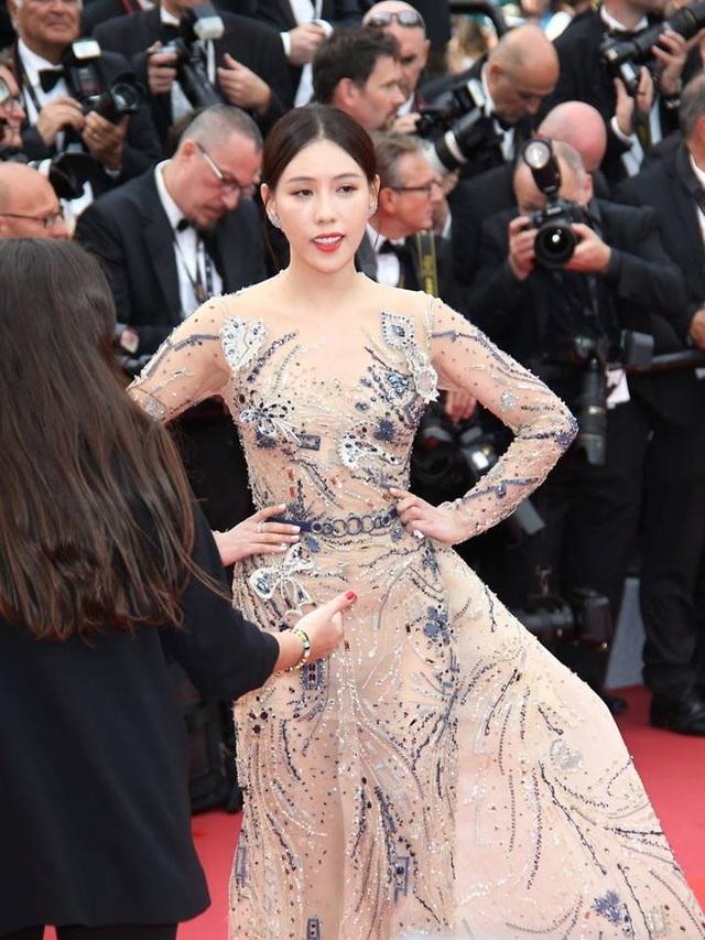 """Tâm sự của nữ diễn viên bị chê """"câu giờ"""" trên thảm đỏ Cannes - 1"""