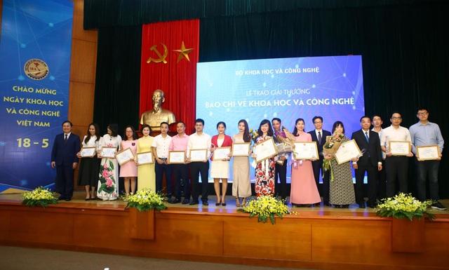 Báo Dân trí đạt giải ba Giải thưởng báo chí Khoa học và Công nghệ - 2