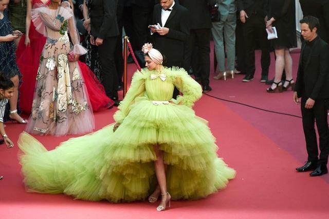 Deepika Padukone đẹp lộng lẫy tại Cannes - 7