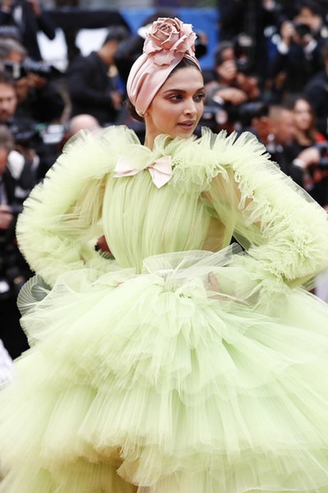 Deepika Padukone đẹp lộng lẫy tại Cannes - 2