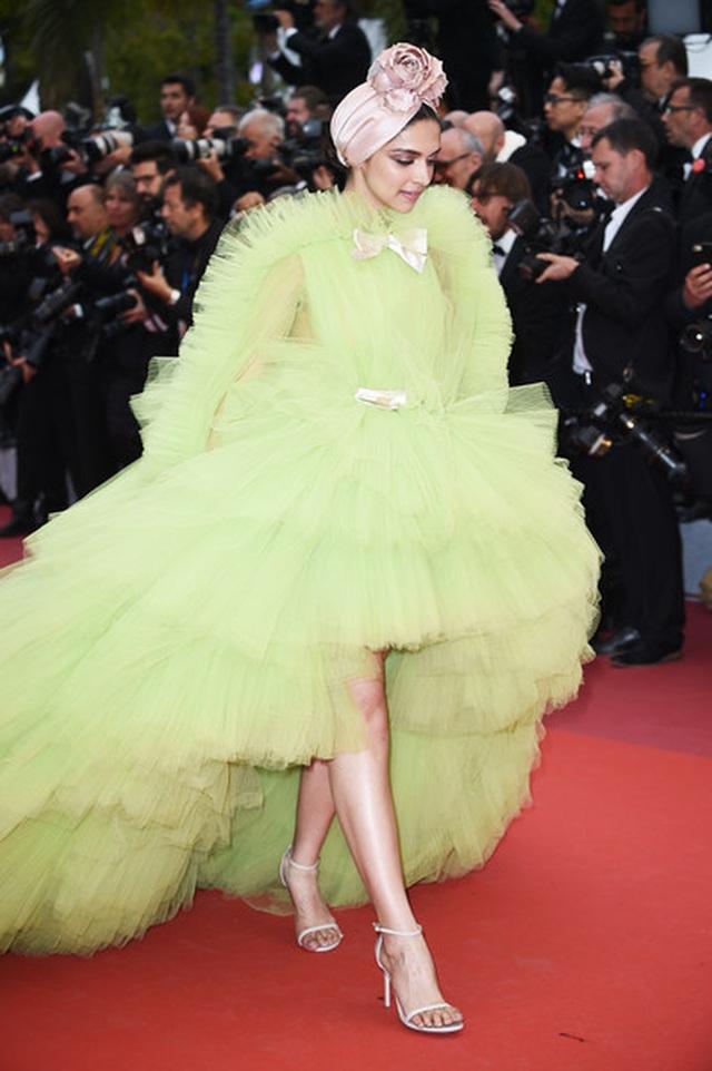 Deepika Padukone đẹp lộng lẫy tại Cannes - 5