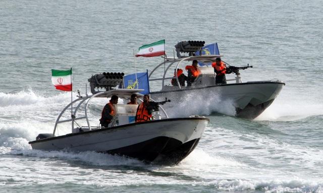 Bị Mỹ tố trang bị tên lửa trên tàu, Iran phản pháo - 1
