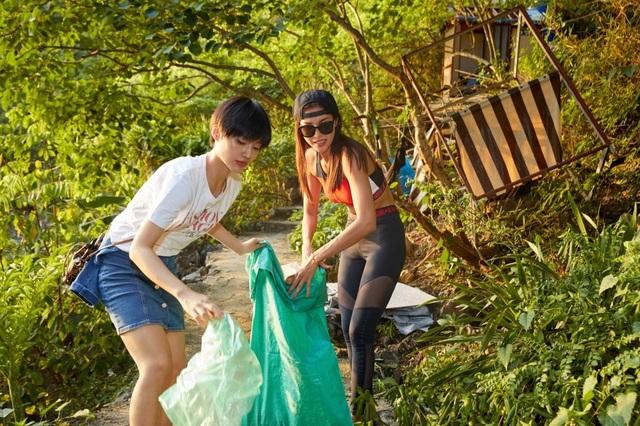 Hoàng Thùy, Minh Tú, Thùy Dung... đội nắng dọn rác trên đảo hoang Hạ Long - 8