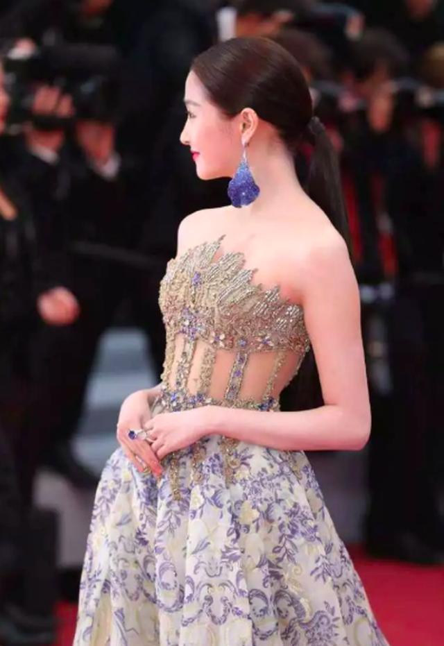 Quan Hiểu Đồng đẹp mơ mộng tại Cannes 2019 - 8