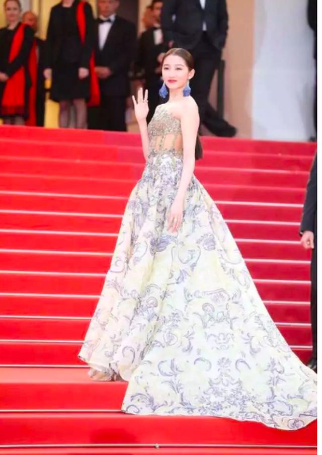 Quan Hiểu Đồng đẹp mơ mộng tại Cannes 2019 - 5