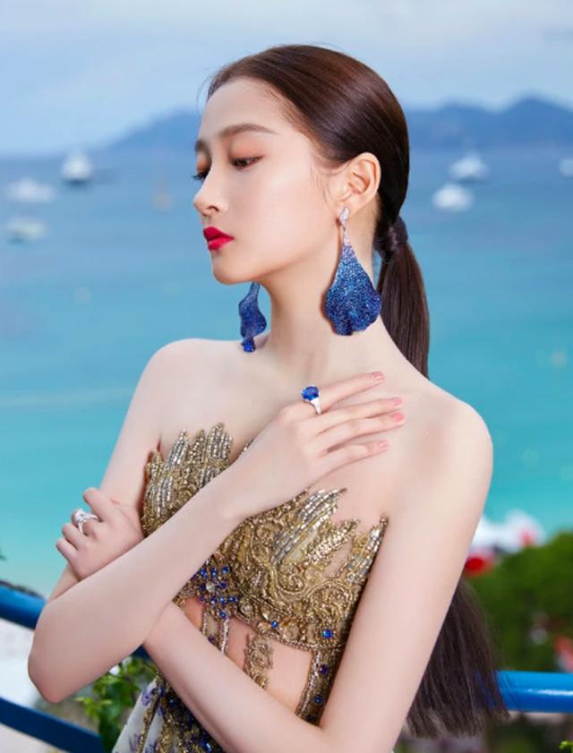 Quan Hiểu Đồng đẹp mơ mộng tại Cannes 2019 - 7