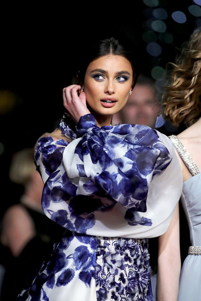 taylor-hill-old-die-young-red-carpet-72-nd-7-fre-ltrpe-oul-1558189032753.jpg