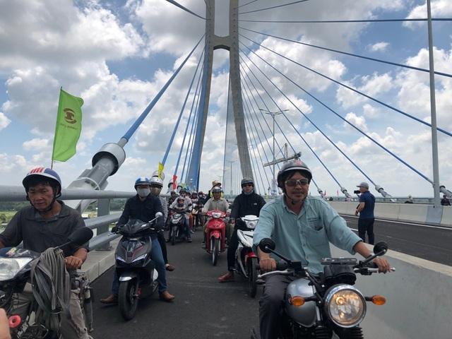 Thông xe cầu Vàm Cống, góp phần tháo gỡ điểm nghẽn giao thông miền Tây - 10