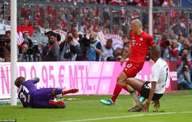 Robben và Ribery lập công, Bayern Munich vô địch Bundesliga lần thứ 29 - 7