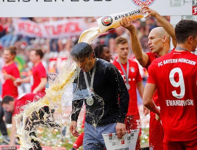 Robben và Ribery lập công, Bayern Munich vô địch Bundesliga lần thứ 29 - 1