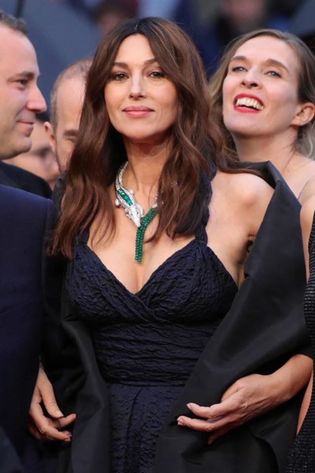 Siêu mẫu Trung quốc tái xuất tại Cannes sau khi được đại gia cầu hôn - 9