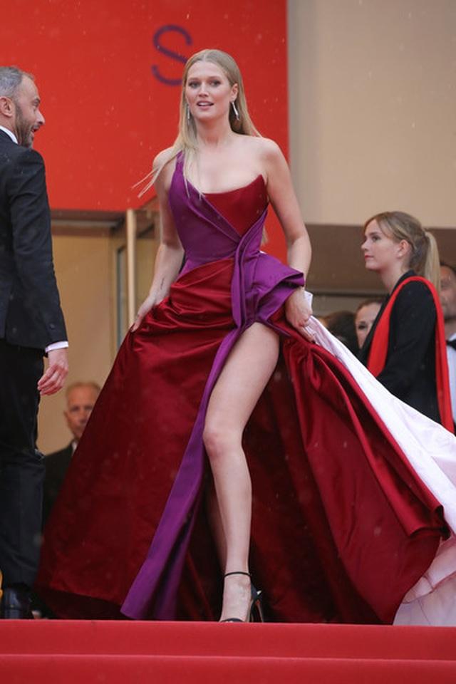 Siêu mẫu Trung quốc tái xuất tại Cannes sau khi được đại gia cầu hôn - 14