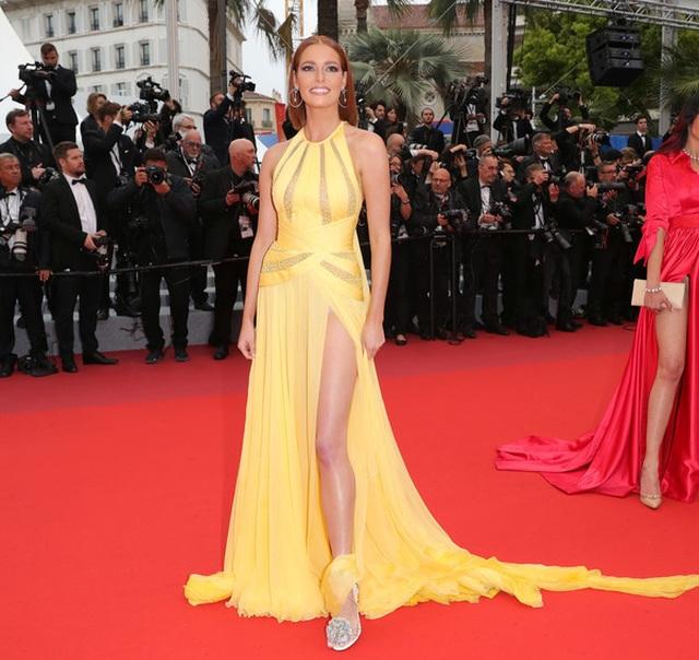 Siêu mẫu Trung quốc tái xuất tại Cannes sau khi được đại gia cầu hôn - 17