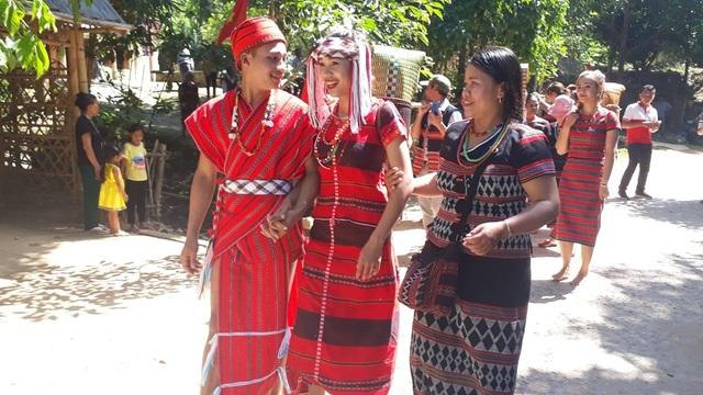 Tái hiện lại Lễ cưới của người dân tộc Pa Cô - Huế - 6