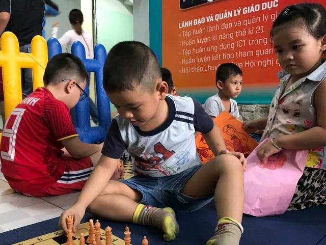 TPHCM: Từ ngày 17/6, các trường mầm non mới nhận giữ trẻ dịp hè - 1