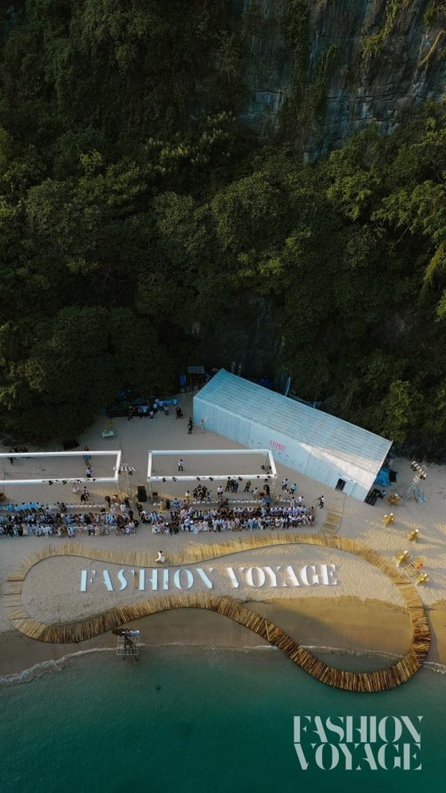 """Dàn sao Việt bất ngờ trước sàn diễn thời trang giữa hoang đảo """"3 không"""" - 2"""