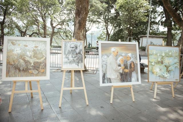 Trưng bày 38 bức vẽ Bác Hồ của nhiều hoạ sĩ nổi tiếng - 10