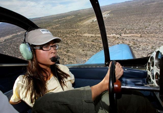 Câu chuyện phi thường của nữ phi công Mỹ lái máy bay bằng chân - 1