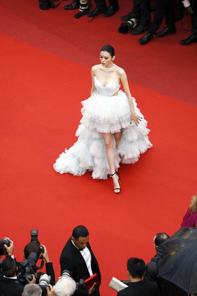 Siêu mẫu Trung quốc tái xuất tại Cannes sau khi được đại gia cầu hôn - 2