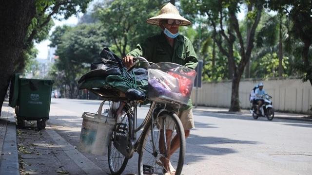 """Người lao động vật vã trong cái nóng như rang"""" của Hà Nội - 5"""