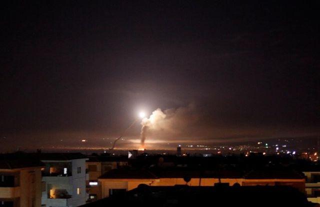 Phòng không Syria ngày thứ 2 liên tiếp bắn hạ tên lửa từ Israel - 1
