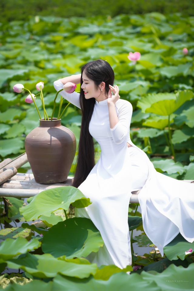 """""""Công chúa tóc mây"""" phiên bản Việt khoe sắc bên sen - 8"""