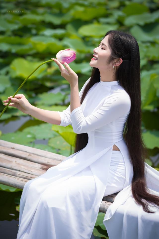 """""""Công chúa tóc mây"""" phiên bản Việt khoe sắc bên sen - 6"""