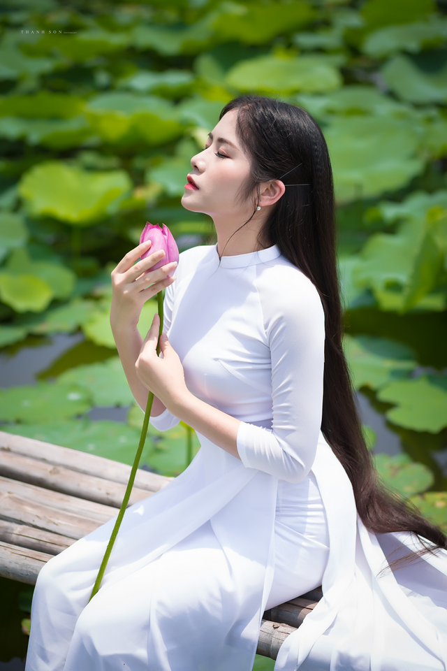 """""""Công chúa tóc mây"""" phiên bản Việt khoe sắc bên sen - 7"""