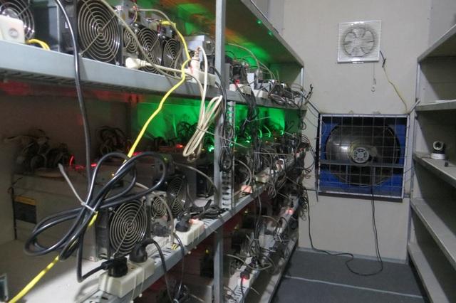 Nhà đầu tư bán gấp trâu cày Bitcoin vì lỗ đậm - 2
