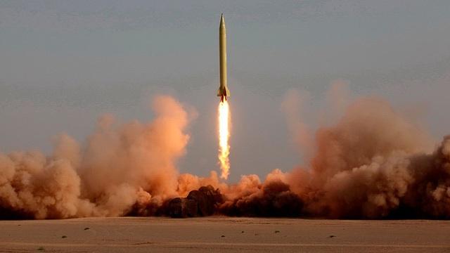 """""""Vũ khí lợi hại"""" giúp Iran đối phó sức mạnh quân sự áp đảo của Mỹ - 3"""