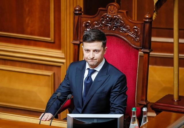 Diễn viên hài nhậm chức Tổng thống Ukraine, tuyên bố giải thể quốc hội - 9