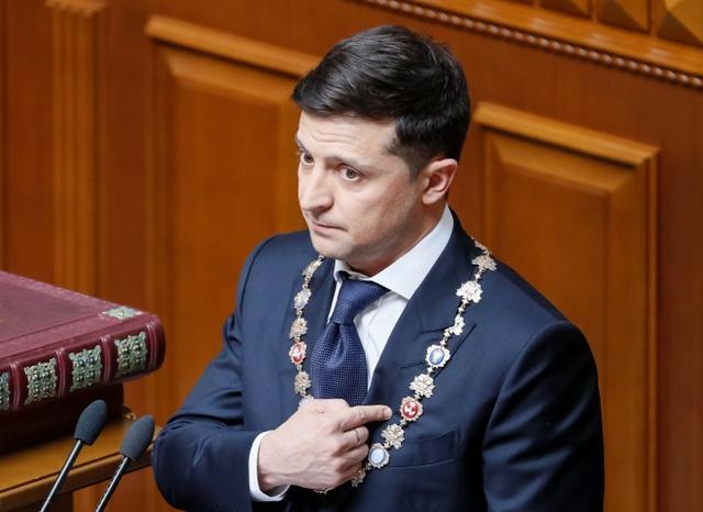 Diễn viên hài nhậm chức Tổng thống Ukraine, tuyên bố giải thể quốc hội - 8