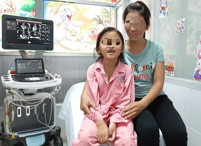 Bé gái có nhịp tim 200 lần mỗi phút vì hội chứng hiếm gặp - 3